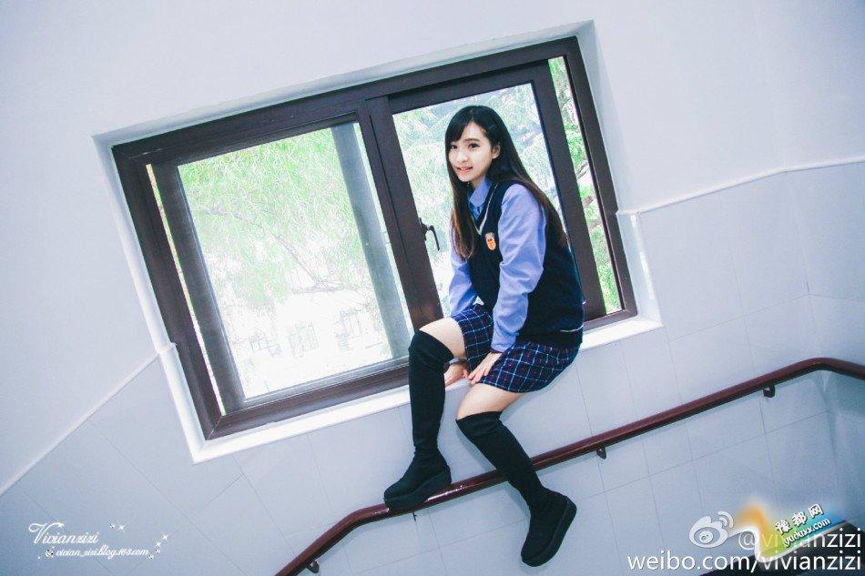 """被称为""""厦门最美校服女生""""的郑凌莉。"""