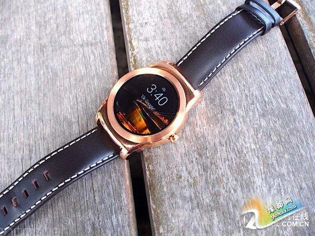 完爆苹果 LG Urbane手表电池更换简单