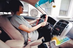 孕妇开车潜在危险多 切记正确系安全带