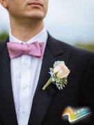 装扮你的新郎 襟花增添完美细节