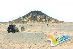 在埃及黑白沙漠如履外星