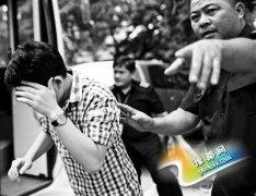 191名中国人菲律宾涉赌被遣返 有人捂脸拒拍照