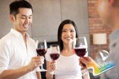 红酒饮用过程中的5个常见错误