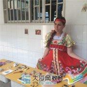 郑州市31、103中举办第三届暑期国际英语公益夏令营地球村活动