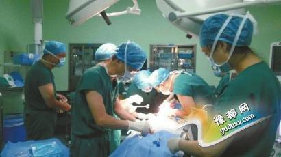 抢救杜子成的手术长达3小时。