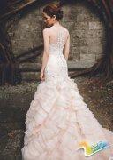 一组公主婚纱礼服图片 做个奢华前卫的新娘