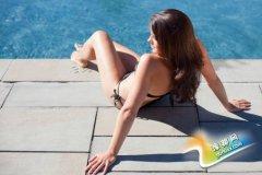 女白领游泳半个月 感染霉菌性阴道炎