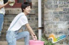 《我们的十年》发《十年》MV 赵丽颖偷师陈奕迅