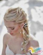 人气超高的夏季新娘发型 做个优雅浪漫新娘