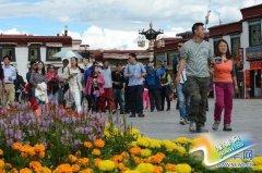 西藏旅游接待量迎来一年中的最高峰