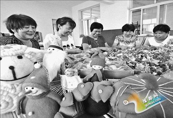 河北:妇女和残疾人巧手编织创业梦