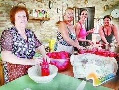 意大利人8月忙着做西红柿酱