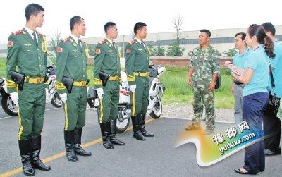 际华3515公司领导率领技术团队进入阅兵村现场服务