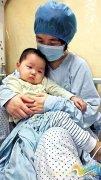 女孩不满2岁患两种重症 治疗大半年花费40万元