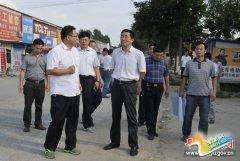 县长张怀德专题调研扶贫开发工作