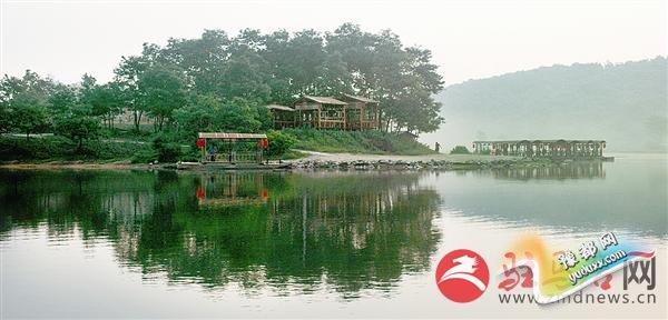 竹沟湖凤凰山庄.jpg