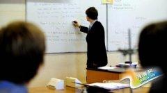 """英国""""教师荒""""愈演愈烈?部分学校体育老师教数学"""