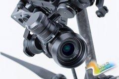 大疆发布M4/3航拍无反Zenmuse X5、X5R