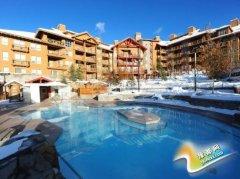 十大滑雪胜地温泉池:加拿大Panorama可玩水枪