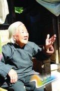灵宝103岁老人 五世同堂 土坯房下幸福多