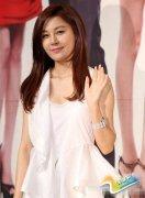 韩星金荷娜公布婚讯 与男友明年3月举办婚礼