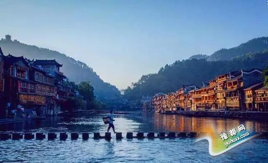 中国十座最有特色小城,此生一定要去看看!