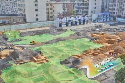 郑州一小学工地发现东周古墓群 墓坑近百个