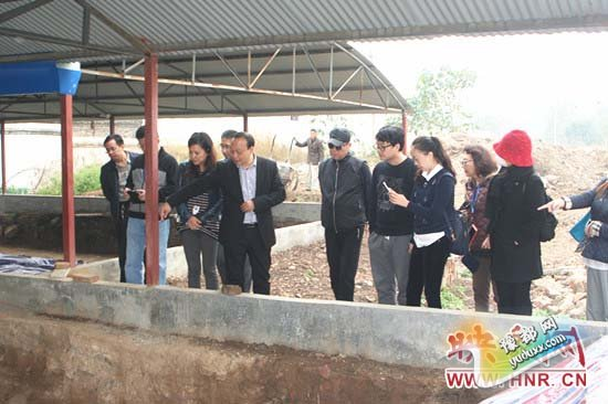 北大陶瓷文博学院师生一行33人前往宝丰考察清凉寺汝官窑遗址