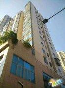 长沙8岁男童17楼楼顶坠亡 嫌疑人系其继母