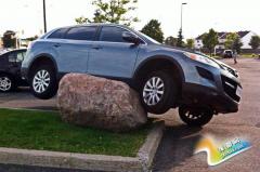 车主们注意了 轮胎鼓包分分钟会出意外!