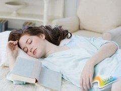 睡姿不对,当心腰痛 赶快学学如何睡觉