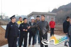 卢氏县政府党组成员、公安局长宋福栓深入危爆企业检查指导工作