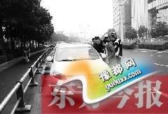 郑州CBD严查违法停车 乱停放车内留人也会被罚