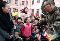 陕县300多名幼儿学消防增见识