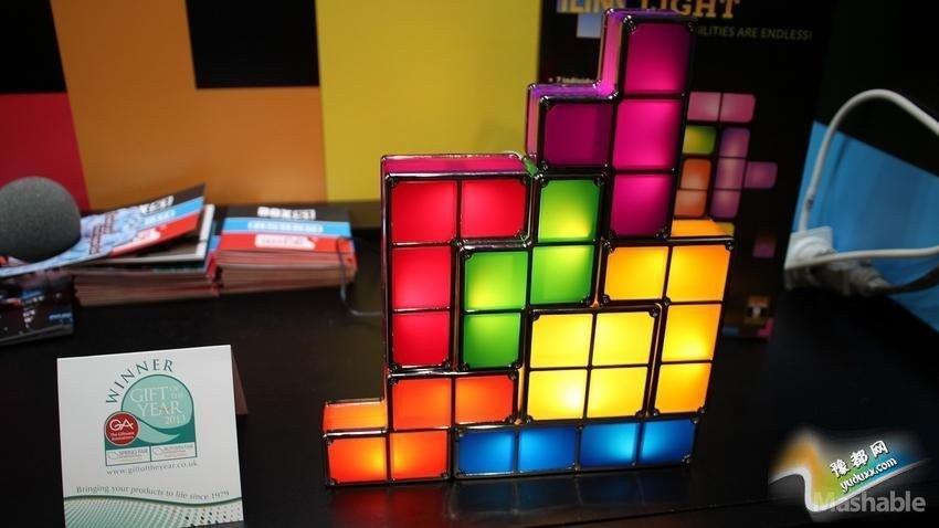 俄罗斯方块灯:Paladone公司推出的俄罗斯方块灯具,让你用可堆叠的方块组建你自己的照明系统。