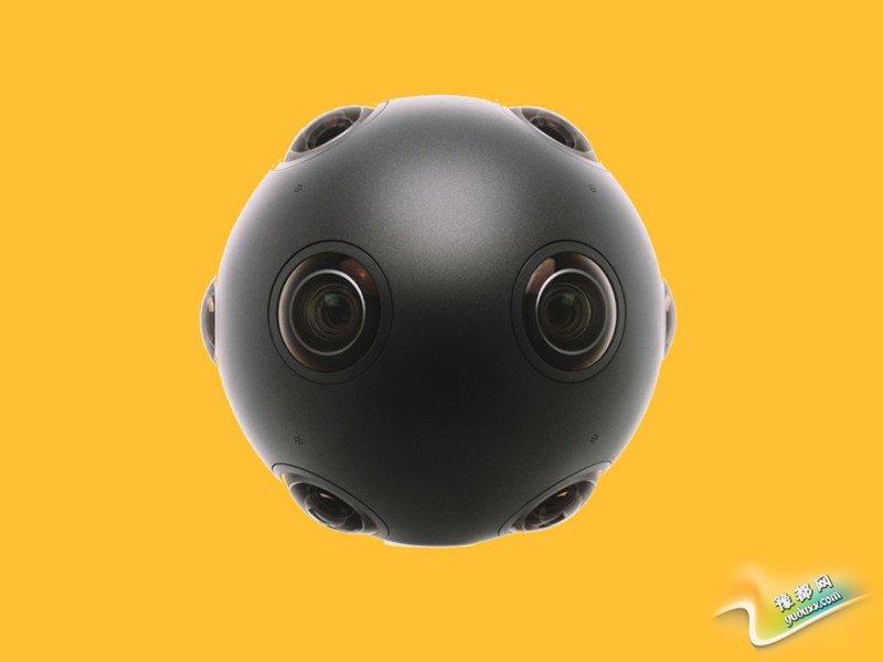 """与以往计算机生成的三维模拟图像不同,诺基亚的下一代球形摄像头可以将人实时""""传送""""到另一个地方。在诺基亚公司的计划中,""""传送""""的距离可以是几米,也可能是数百公里之外。"""