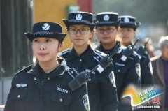 """宁波街头女子城管队亮相""""微笑执法"""" 颜值不错哦(图)"""