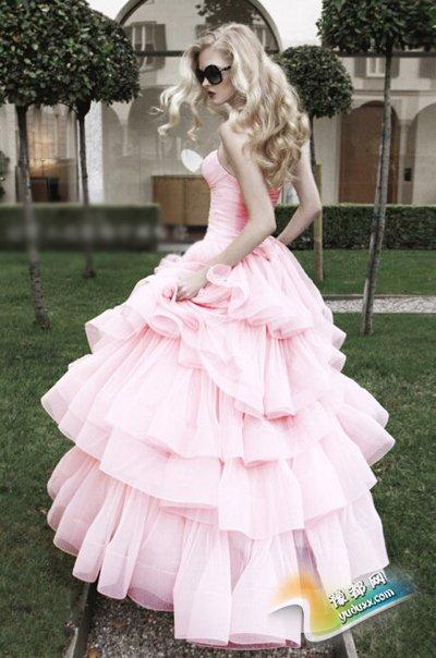新娘试穿婚纱的小技巧 轻松寻到完美嫁衣