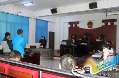 """卢氏县法院为聋哑人开庭请""""翻译"""" 彰显司法人文关怀(图)"""
