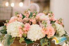 婚礼现场鲜花布置技巧 合理装扮出缤纷舞台