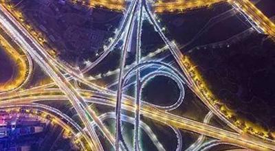 """夜幕下""""上帝视角""""看郑州这14座立交桥!美爆了!"""