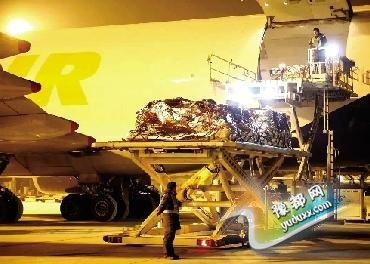 88.3吨澳洲牛肉飞抵郑州 落地8小时内达终端网点