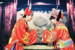 中式经典婚纱照怎么拍 经典姿势教你最复古