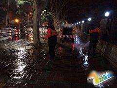 [城管局]清理雪后淤泥  恢复市容市貌整洁卫生