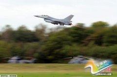 """英议会授权英军空袭""""伊斯兰国"""" 8架轰炸机待命"""