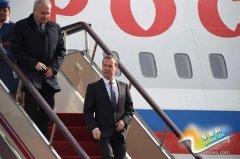 俄罗斯总理梅德韦杰夫抵达郑州
