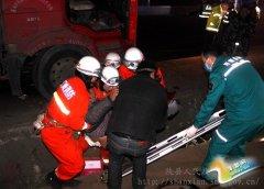 陕州区:消防官兵成功解救被困司机