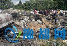 南苏丹百人哄抢油罐车被炸死