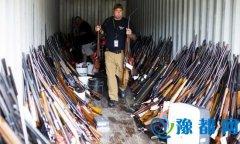 美国一男子偷枪成癖 房内藏长短枪近5000支(图)