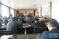 县委书记张怀德参加县政协八届五次会议经济界委员联组讨论